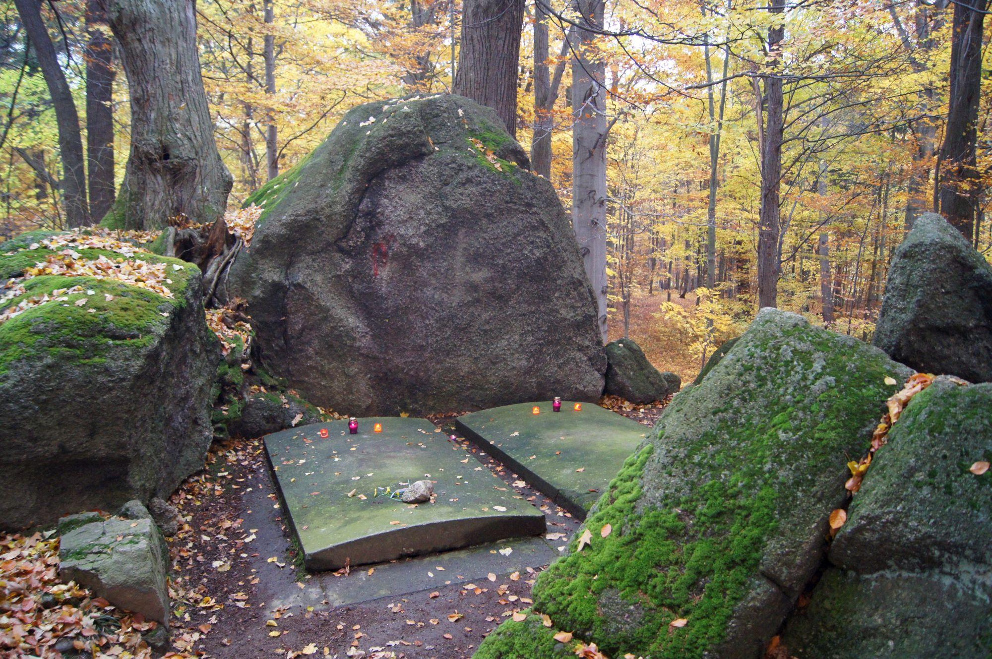 1. Grobowce Rodziny von Reuss w Kowarach