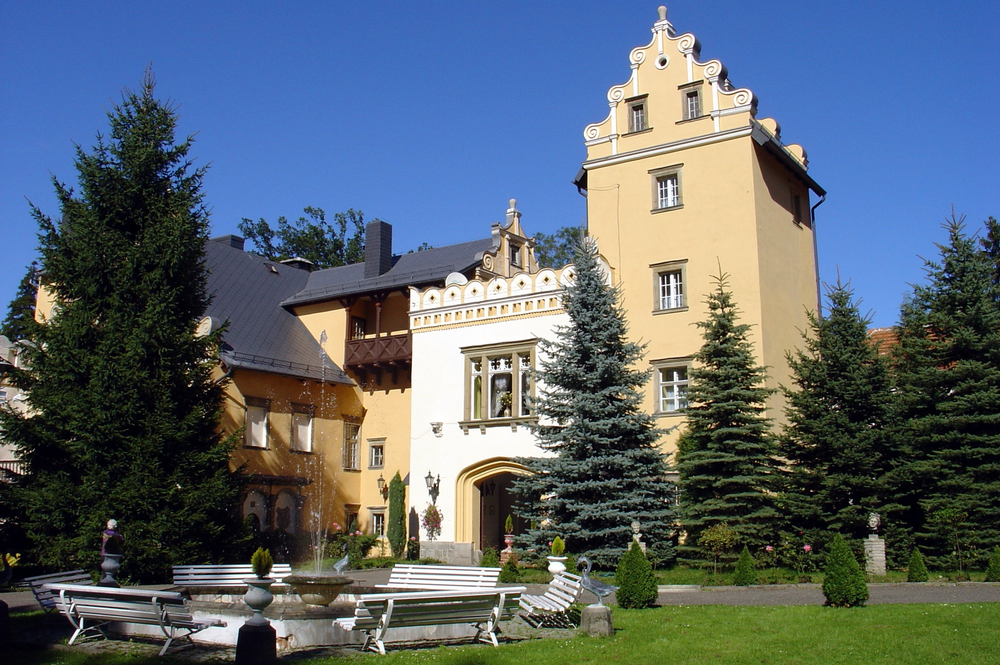 1. Pałac Nowy Dwór w Kowarach