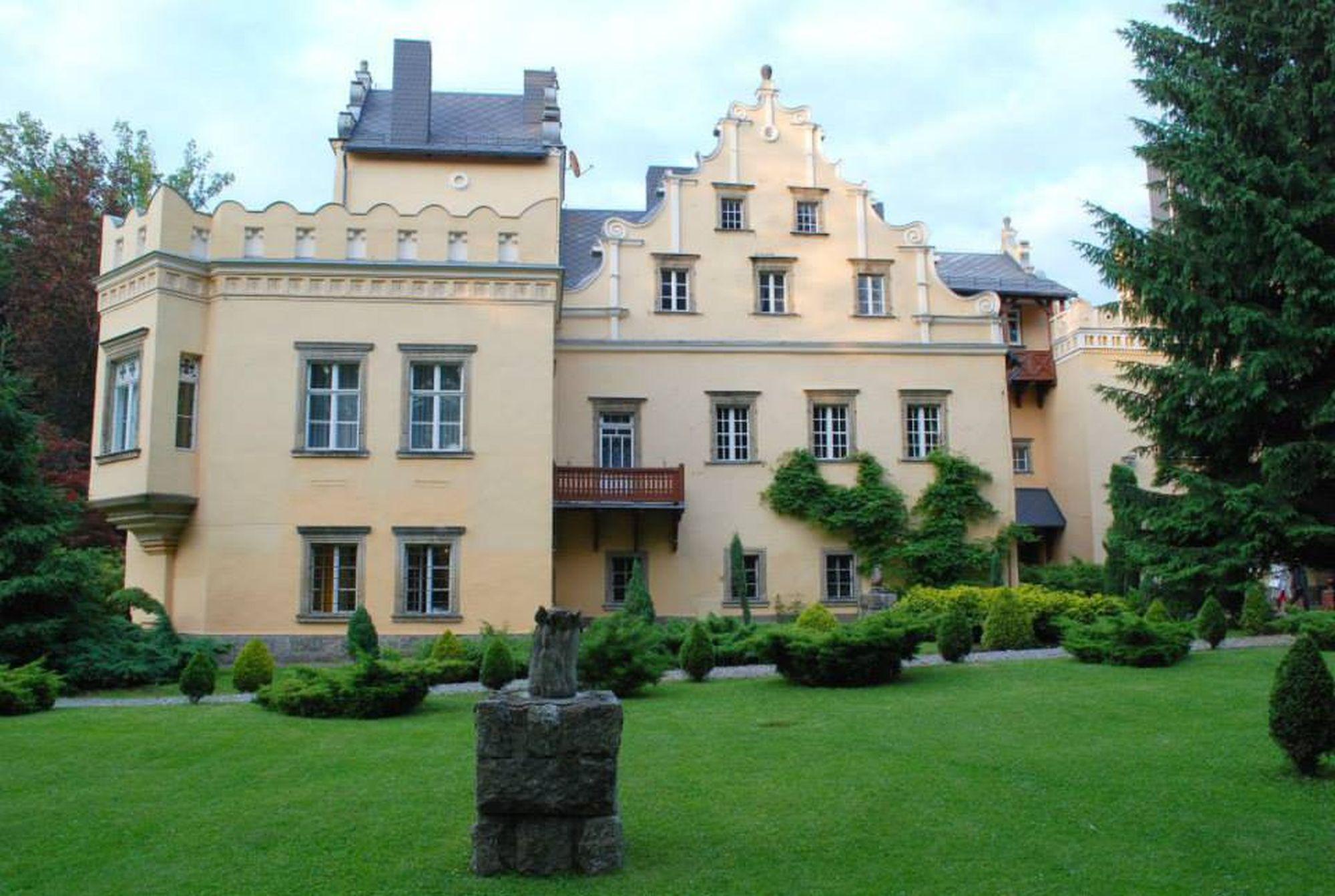 3. Pałac Nowy Dwór w Kowarach
