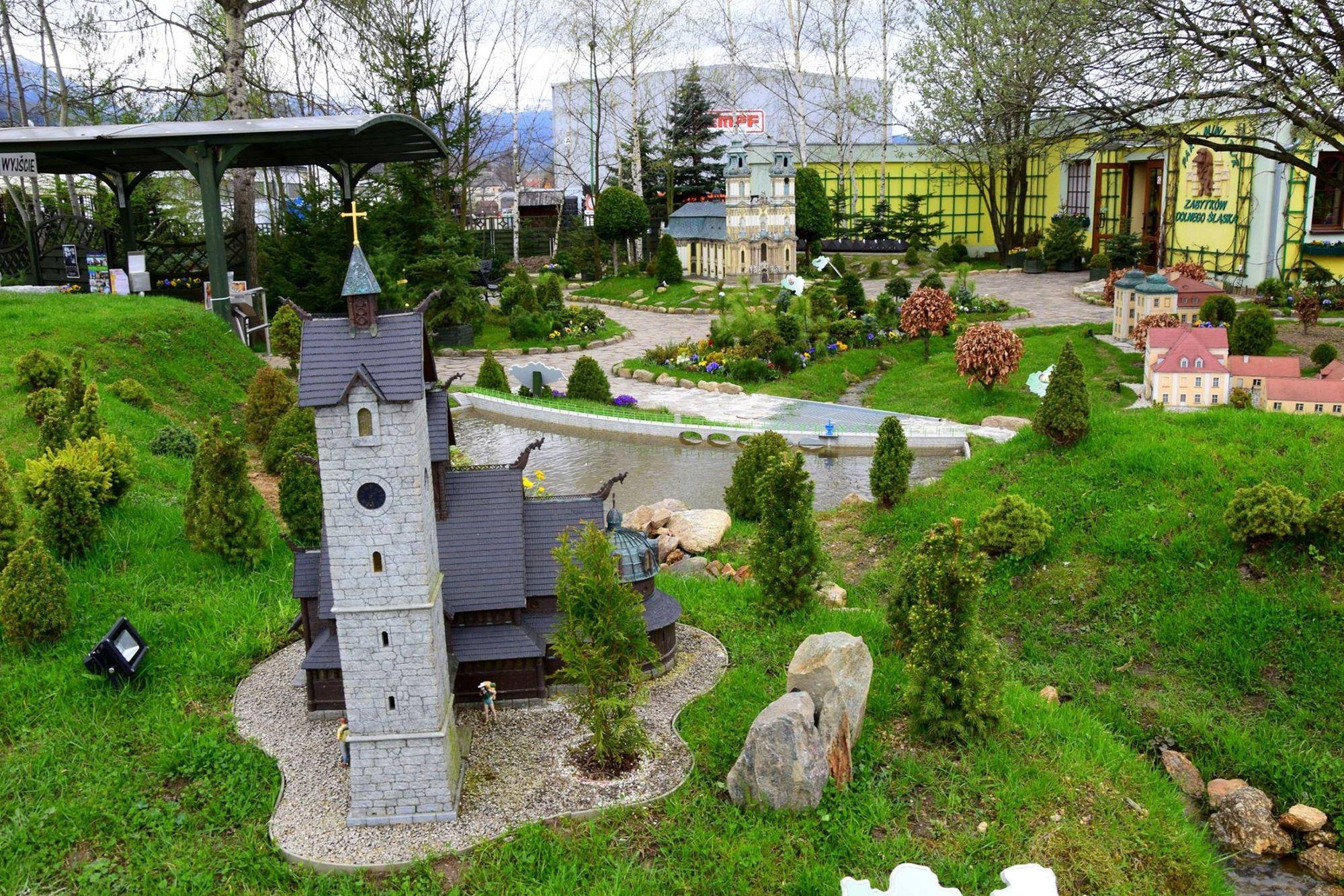 3. Park Miniatur Zabytków Dolnego Śląska w Kowarach