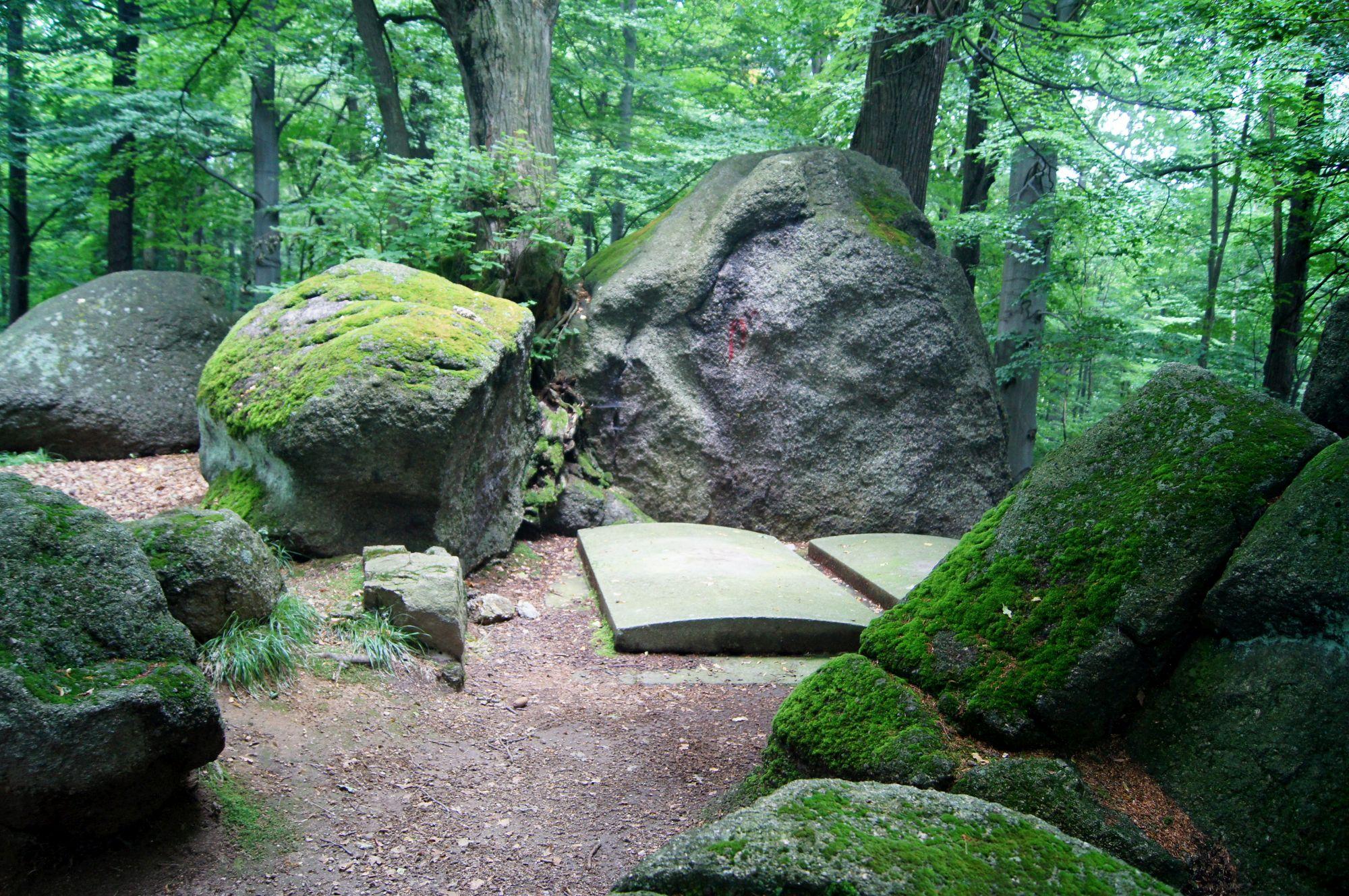 4. Grobowce Rodziny von Reuss w Kowarach