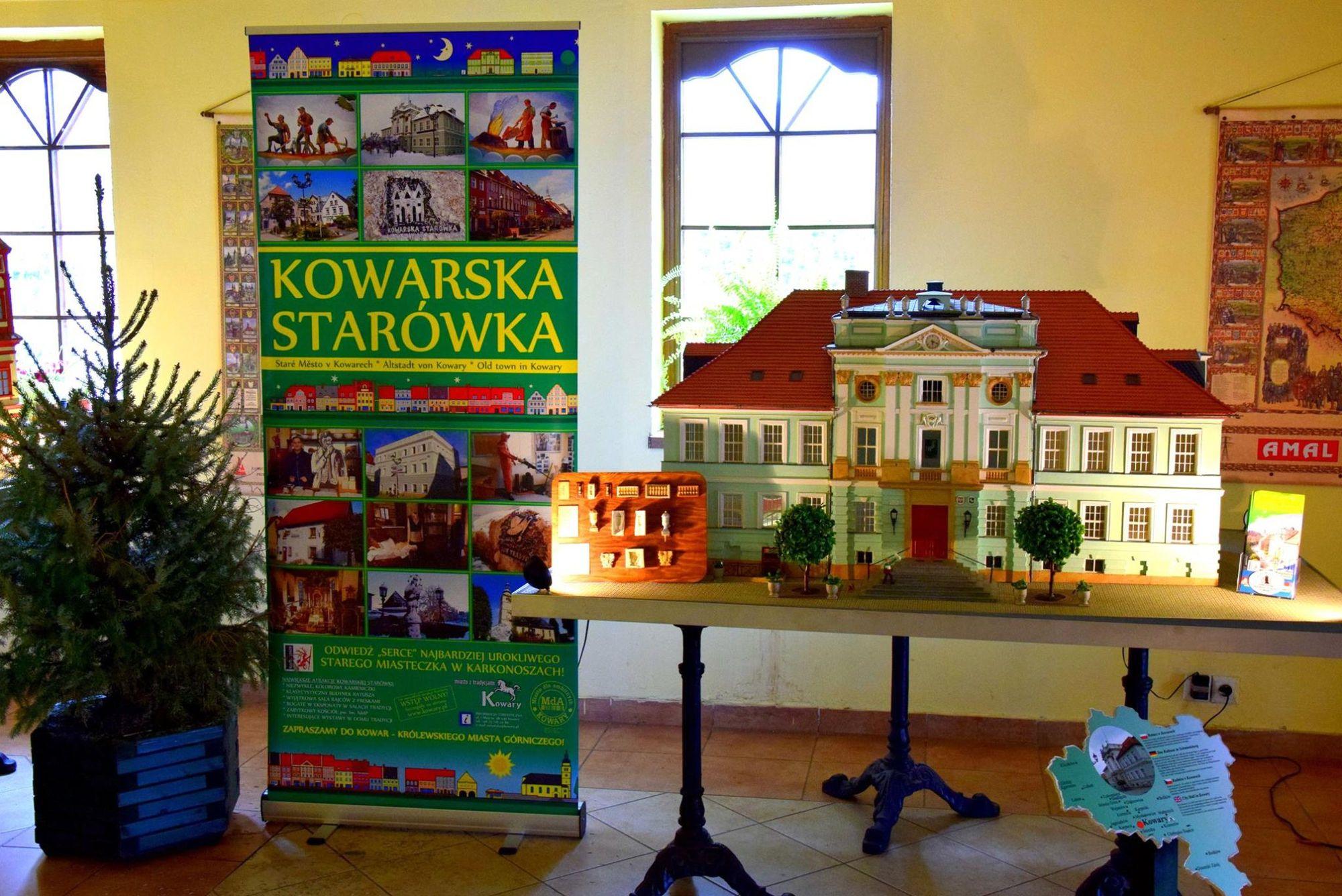 8. Park Miniatur Zabytków Dolnego Śląska w Kowarach